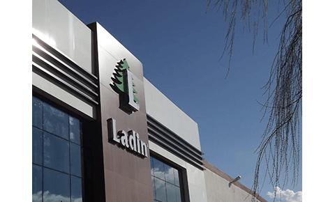 Minkštų baldų gamintojas LADIN - baldų gamybos kokybė ir patirtis